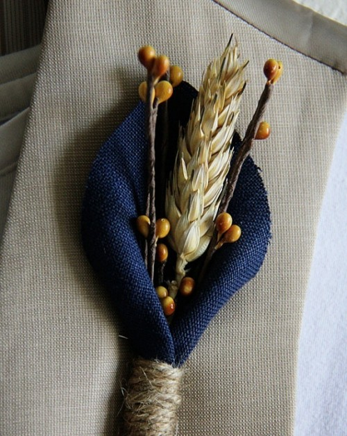 beautiful-fall-wedding-boutonnieres-3-500x628